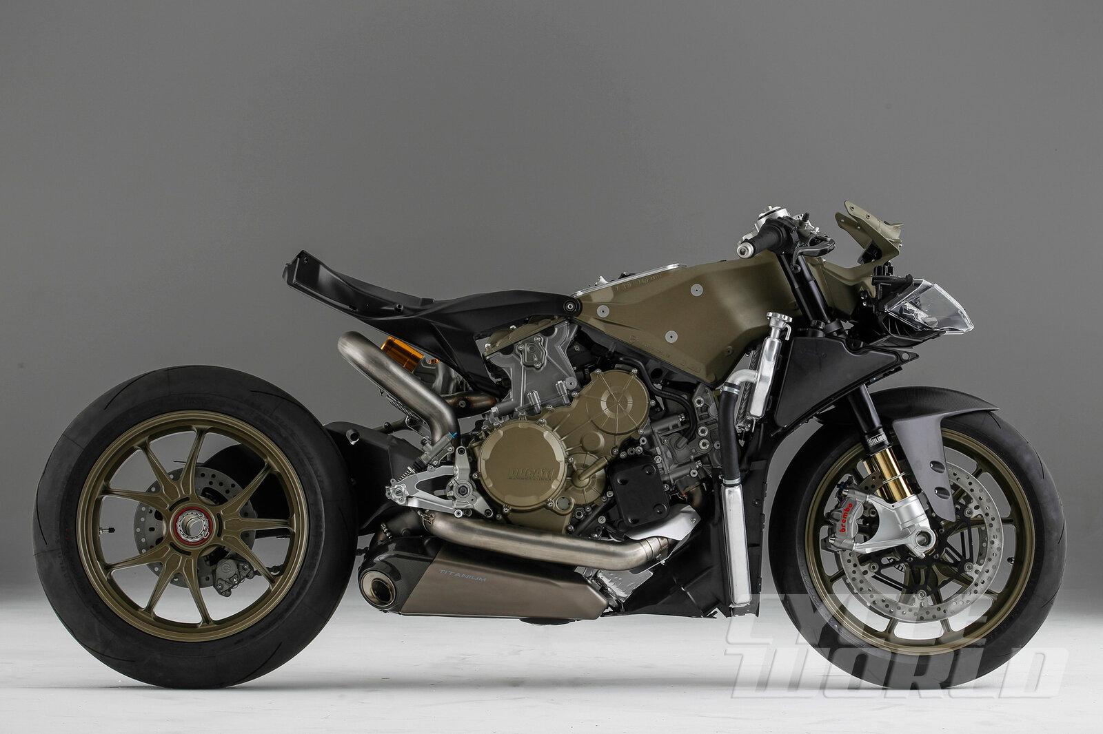 Ducati-Superleggera-Characters_25.jpg